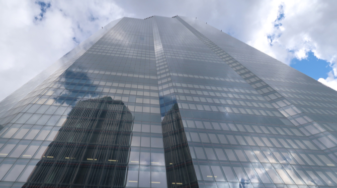 22 Bishopsgate. Close up in diminishing perspective from below skyward.