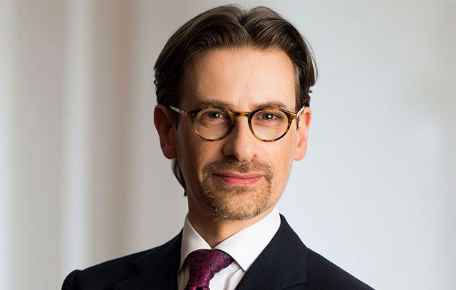 Portrait of Toby Landau