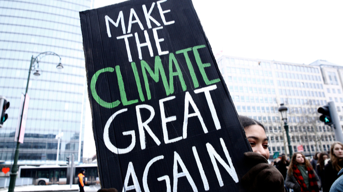 Climate demonstration placard: Make the climate great again