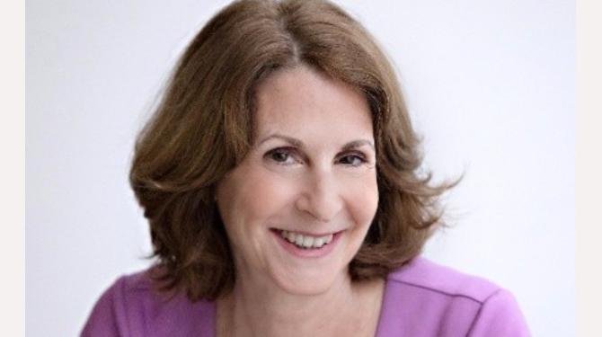 Portrait photo of Louise Firestone