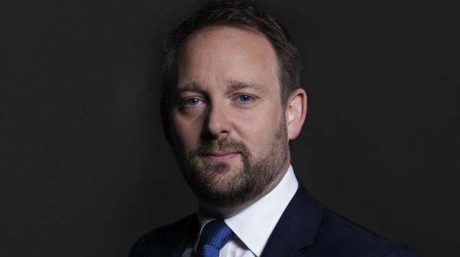 Portrait photo of Paul Baker